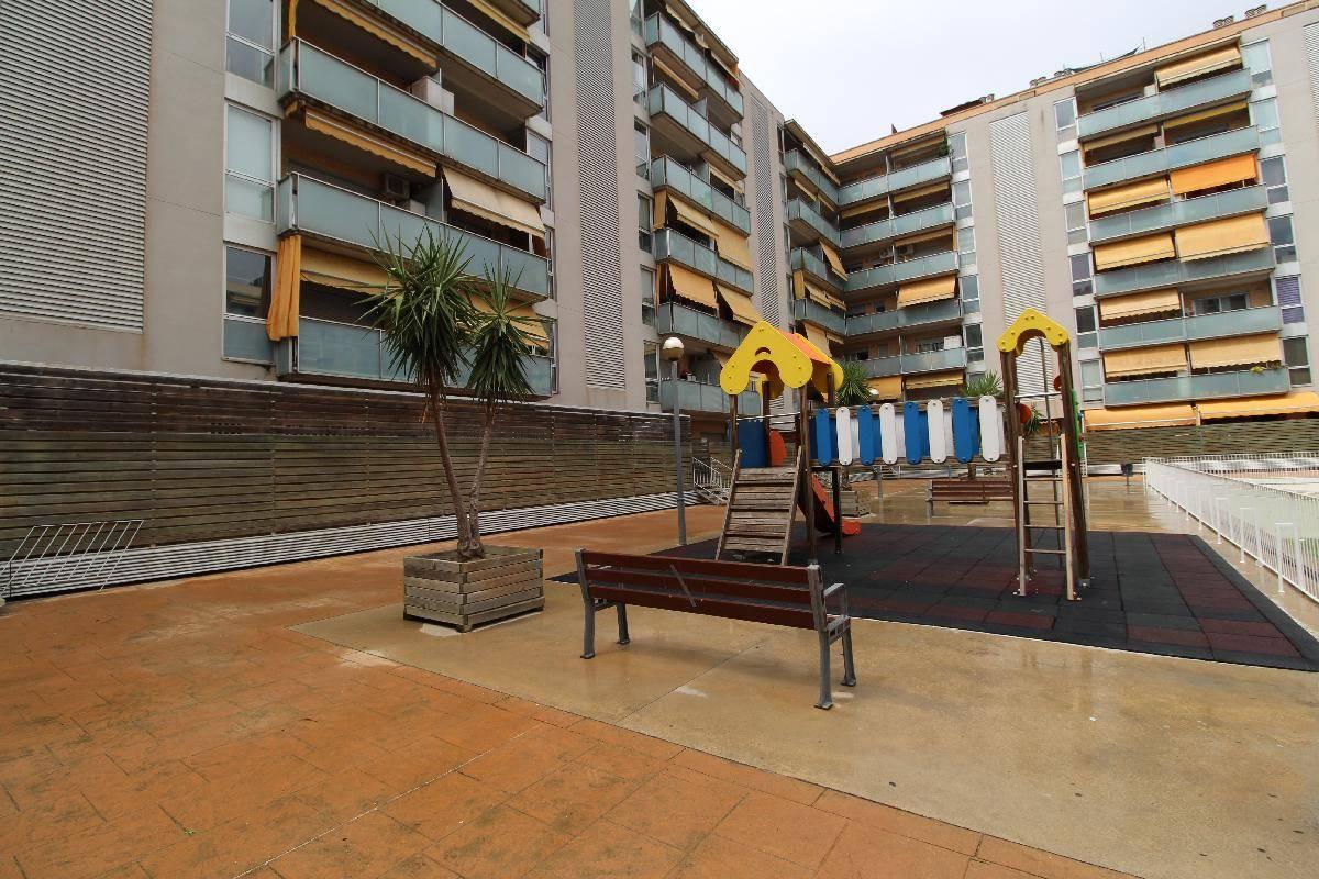 Alquiler piso en parque europa barber del vall s 850 for Pisos alquiler parque almunia