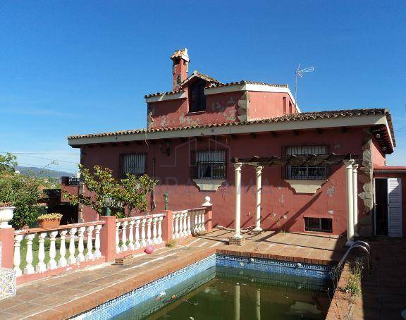Chalet for sale in Algeciras
