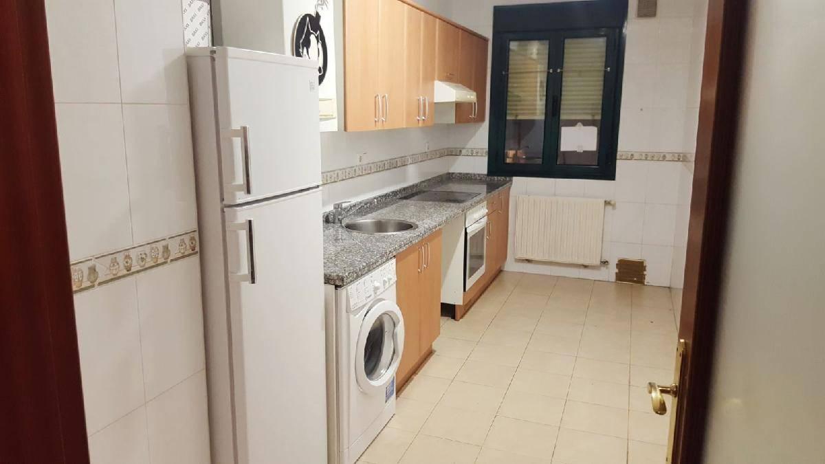 Alquiler piso en hospital nuevo huca oviedo 450 54 m - Armarios empotrados oviedo ...