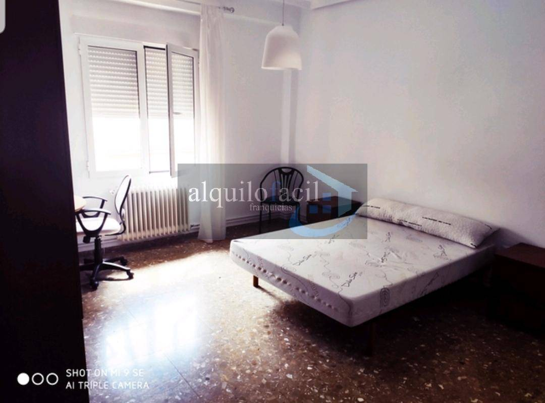 Flat for rent in Isabel la Catolica, Albacete